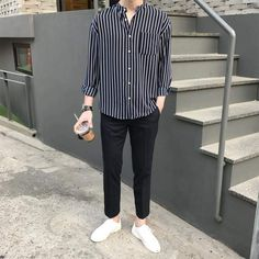 Style Korean Fashion Men 29 New Ideas Korean Fashion Men, Kpop Fashion, Mens Fashion, Fashion Outfits, Korean Men, Fashion Fall, Style Fashion, Fasion, Ulzzang Fashion