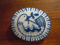 ブルーバード1(エンブロイダリーブローチ) (brooch) - kappa-do