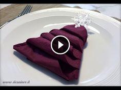 tovaglioli-di-carta-e-stoffa-piegati http://www.guardalo.org/tovaglioli-di-carta-e-stoffa-piegati-ad-22623/17137/