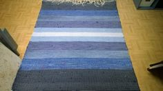 Siniraitainen räsymatto Recycled Fabric, Woven Rug, Recycling, Area Rugs, Weaving, Home Decor, Fabrics, Artists, Rug Weaves