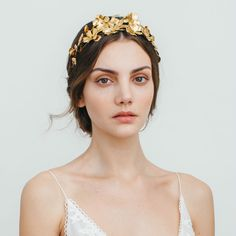 Hair jewelry designer Jennifer Behr shows off her gorgeous fashion and bridal hair accessories! Jennifer Behr spring hair accessories are glam and boho. Photo Portrait, Portrait Photography, Wedding Photography, Spring Hairstyles, Wedding Hairstyles, Gold Leaf Headband, Circlet, Hair Jewelry, Bridal Hair