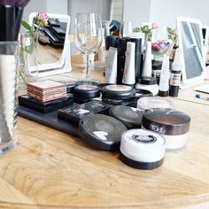 We had the most useful interesting prettifying time with @laurenamystudio last night. Thank you for welcoming us into your home and sharing your knowledge with us!  Im really looking forward to sharing this on the blog - get in touch with Lauren if you need to book your Makeup Masterclass!