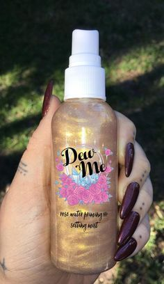 The Dew Me spray from glowcultcosmetics.com is a must have item. they have perfect long wearing glitters, pigmented eye shadows, beaming highlights and lashes. Beautiful makeup looks Inspiration tutorial ideas organization make up eye makeup eye brows eyeliner brushes contouring highlight strobe lashes tricks