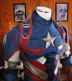 Cosplay Costume How It Was Made: Captain America Armor Variant – SMP Designs Captain America Cosplay, Captain America Suit, Cosplay Tutorial, Cosplay Diy, Black Widow Costume, Armor Concept, Marvel Cosplay, Super Hero Costumes, Geeks