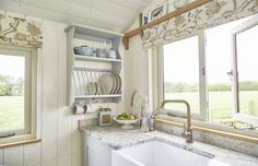 StarBed Hideaways - Luxury Glamping in Devon Shepherds Hut For Sale, Luxury Glamping, Small Cottages, Tiny Spaces, Tiny House Living, Tiny House Design, Small Space Living, Decoration, Devon
