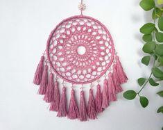 Dream Catcher Decor, Dream Catcher Boho, Crochet Mandala, Crochet Doilies, Diy Dream Catcher Tutorial, Crochet Wall Hangings, Craft Day, Macrame Plant Hangers, Dreamcatchers