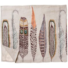 large feathers table runner