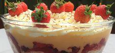 Easy Trifle   Classic British Dessert - TheUniCook Festive-Baking Banana Trifle, Strawberry Trifle, Strawberry Recipes, Strawberry Banana, Blueberry Trifle, Strawberry Pretzel, Banana Pudding, Strawberry Shortcake, Angel Cake