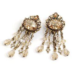 Sweet Romance 1920s Speakeasy Clip-on Earrings (€45) ❤ liked on Polyvore featuring jewelry, earrings, beige, long earrings, clasp earrings, clip back earrings, clip on dangle earrings and fancy earrings
