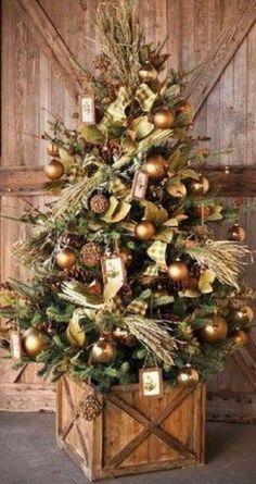 The FarmHouse Christmas Tree Box Tree Skirt Tree Collar - christmas dekoration Noel Christmas, All Things Christmas, Christmas Wreaths, Christmas Crafts, Christmas Tree Box Stand, Rustic Christmas Trees, Tree Collar Christmas, Diy Christmas Tree Skirt, Natural Christmas Tree