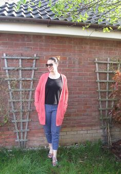 Helen's Closet Blackwood Cardigan - by Crafty Clyde in Higgs & Higgs Cable Knit #sewing  #sewingpattern #blackwood #blackwoodcardigan