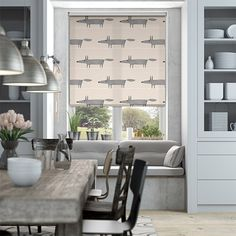 Let your imagination run wild with this cheeky chap making his way across your windows. And in a humble neutral colourway, this Mr Fox Mini roller blind is simply sweet. Style At Home, Kitchen Blinds, House Blinds, Roller Blinds, My Living Room, Small Living, My New Room, Stores, Home Fashion