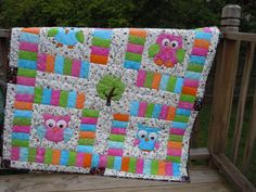 Handmade Owl Quilt Free Shipping by ScrapFaery on Etsy This owl quilt is gorgeous! $145