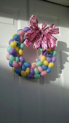 Learn more about 10 DIY Easter Craft Wreaths