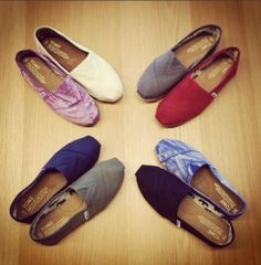 Wholesale Toms shoes with high discount and quality.