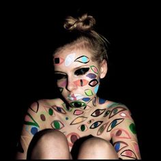 I am the blank page before you, I am the fine idea you crave. I live and breathe under the moon, and when you cross the road I'll come find you. - London Grammar  #bodypaint #art #eyes #supervision #society #scared #LondonGrammar @moeller_line