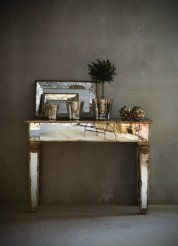 mirrored side table by Frejas Boning