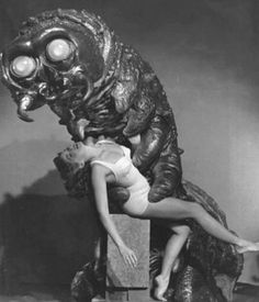 B-Movie Monsters Carrying Dames - The Monster That Challenged the World Horror Monsters, Scary Monsters, Famous Monsters, Sci Fi Horror, Horror Films, Horror Art, Classic Sci Fi, Classic Horror Movies, Scary Movies