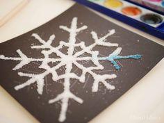 Salzmalerei - bunte Eiskristalle aus Salz - Montessori Blog - MontiMinis Winter Snow, Winter Diy, Preschool Activities, Montessori, Diy And Crafts, Projects To Try, Christmas Ornaments, Holiday Decor, Creative