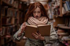 Идеи для фотосессий | ВКонтакте Girl Pictures, Girl Photos, Library Girl, Selfie Poses, Street Photo, Life Drawing, Photoshop, Photography, Inspiration