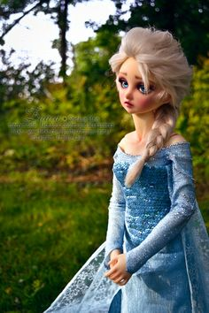 Elsa from Frost [Volks Nana], faceup and clothing, by owner Zaara @ Den of Angels. If you're a DoA member, you can view the original thread that has more photos. But you can also find her as frozen_zaara @ Instagram: https://instagram.com/frozen_zaara/