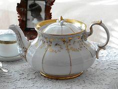 Antik Porzellan Kanne SPM Kaffee Tee weiß Gold Handmalerei Rüschen Kaffeekanne romantisch Landhaus Teekanne Dekoration & Sammler Geschenk