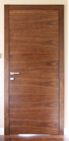 Drzwi wewnętrzne nowoczesne drewniane orzech amerykański LW 320 - Lizurej