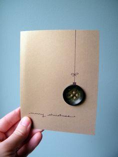 Questa bella carta oro è il modo perfetto per inviare auguri di questa stagione. Merry Christmas è scritto a mano e cè un affascinante ornamento solitario pulsante verde. Allinterno della carta è vuota per scrivere il tuo messaggio accorato. Questa scheda è pronta per la spedizione e viene fornito con una busta. Se molte delle mie carte hanno catturato locchio posso fare unusanza ordinare per voi con le carte di vostra scelta o fare più di un design particolare che piace a te. Se vuoi una…