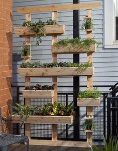 Un porte jardinière en bois de palette - déco DIY