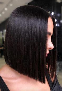 Easy Medium Length Hairstyles : 30 Easy New Medium Hair Styles Medium Blunt Hairstyles For Brunette Girls ❤️ Let us guide you in the world of medium hair styles. Medium Bob Hairstyles, Hairstyles With Bangs, Diy Hairstyles, Hairstyle Photos, Easy Hairstyle, Hairdos, Hairstyle Ideas, Updos, Medium Hair Cuts