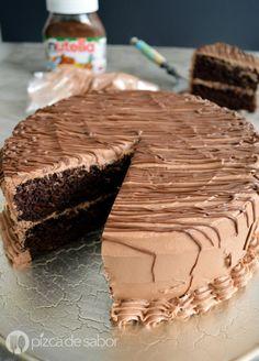 Pastel de chocolate con betún www.pizcadesabor.com