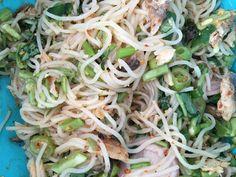 ยำขนมจีน Yum khanom jean