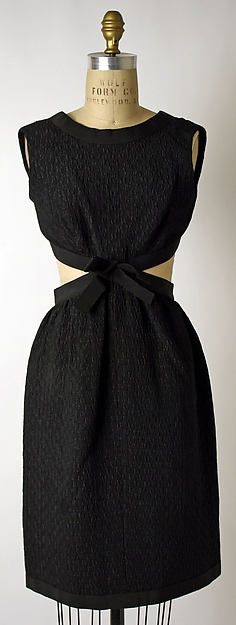 12d6dde768ad Выкройка платья Yves Saint Laurent 61 год Yves Saint Laurent, Saint Laurent  Dress, 1960s