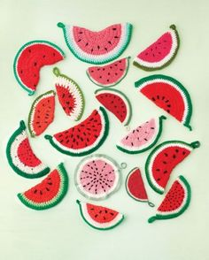 these potholders are too cute! #watermelon #summer #craft #yarn #knit #crochet