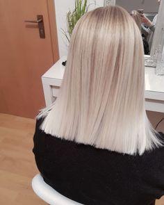 Soft Balayage, Balayage Highlights, Hair Colorist, Hair Goals, Dyed Hair, Straight Hairstyles, Insta Pic, Hair Inspiration, Hair Cuts