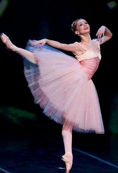 Evgenia Obraztsova. Ballet beautie, sur les pointes !