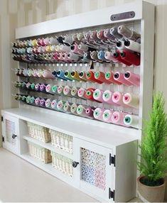 New Ideas Sewing Room Organization Inspiration Sewing Room Design, Craft Room Design, Home Room Design, Sewing Studio, Sewing Rooms, Thread Storage, Yarn Storage, Craft Room Storage, Sewing Closet