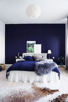 30 French Country Bedroom Design and Decor Ideas for a Unique and Relaxing Space - The Trending House Blue Bedroom Walls, Blue Bedroom Decor, Blue Rooms, Bedroom Colors, Home Bedroom, Modern Bedroom, Bedroom Ideas, Master Bedroom, Blue And Gold Bedroom
