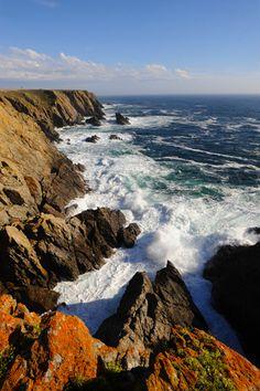 Côte sauvage de l'île de Groix, Photo Lueur des îles. Morbihan. Bretagne.