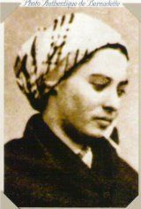 Saint Bernadette Soubirous and Her Life of Hardship and Sacrifice Ste Bernadette, St Bernadette Of Lourdes, St Bernadette Soubirous, Catholic Saints, Patron Saints, Roman Catholic, Lourdes France, Christian Warrior, Our Lady Of Lourdes