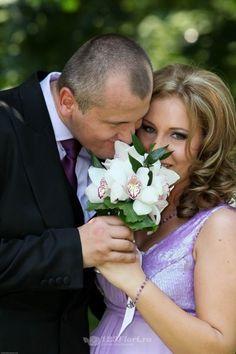 Buchet de mireasa doar la 123flori Nasa, Wedding Dresses, Fashion, Bride Dresses, Moda, Bridal Gowns, Fashion Styles, Wedding Dressses