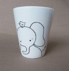 Éléphant, mug en porcelaine blanche peintes main