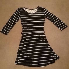 Long Sleeve Knee Length Dress L. Black with with strip dress with lacey see-through back Dresses Long Sleeve