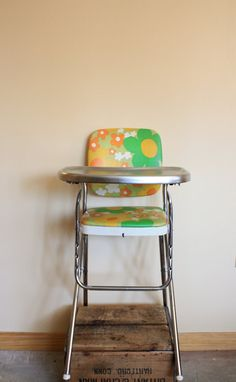 Great roundup of vintage kids finds on Etsy at Modern Kiddo. My sisters high chair growing up. Grandkids using it now! Vintage High Chairs, Retro Vintage, Vintage Stuff, Vintage Prints, Modern High Chair, Big Comfy Chair, Cool Mom Picks, Barbie, Retro Baby