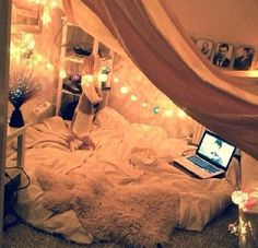 Cute tumblr bedroom idea