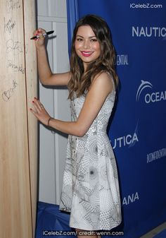 Miranda Cosgrove Miranda Cosgrove hosts 2nd Annual Nautica Oceana Beach House Party held at the Annenberg Community Beach House http://icelebz.com/events/miranda_cosgrove_hosts_2nd_annual_nautica_oceana_beach_house_party_held_at_the_annenberg_community_beach_house/photo17.html