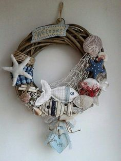 Dietroporta Sea Crafts, Seashell Crafts, Diy And Crafts, Arts And Crafts, Wreath Crafts, Diy Wreath, Swimming Pool Decorations, Coastal Quilts, Deco Marine