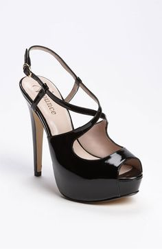 the must have heel! Get 5% cash back: http://www.studentrate.com/lakeforest/get-lakeforest-student-deals/Nordstrom-Student-Discounts--/0
