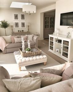 20 Cute And Chic Living Room Design For Your Home Living Room Small Living Room Design, Living Room Decor Cozy, Shabby Chic Living Room, Family Room Design, New Living Room, Small Living Rooms, Living Room Interior, Home And Living, Living Room Designs