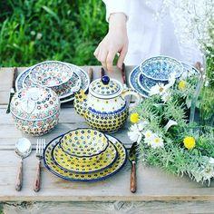 ひとつひとつ職人さんの#手作り ♡#ポーランド発 の#ほっこり #ハンドメイド食器 「#ツェラミカ 」 レンジもオーブンもOK!#料理研究家 や#オシャレ芸能人 たちが使っていることでも有名✨#焼きリンゴ がそのまま作れる#Applepot が激かわです(≧∇≦) #BONNE#bonne#ボンヌ#ceramika#ハンドメイド#食器#テーブルウェア#tableware#cute#カワイイ#オシャレ#オシャレごはん#おうちごはん #follow#followme#フォロー#フォローミー
